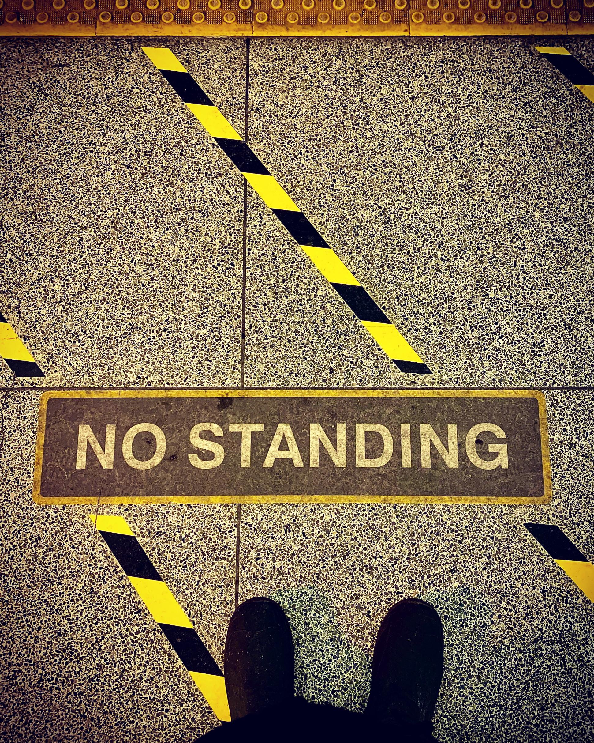 NoStanding_web